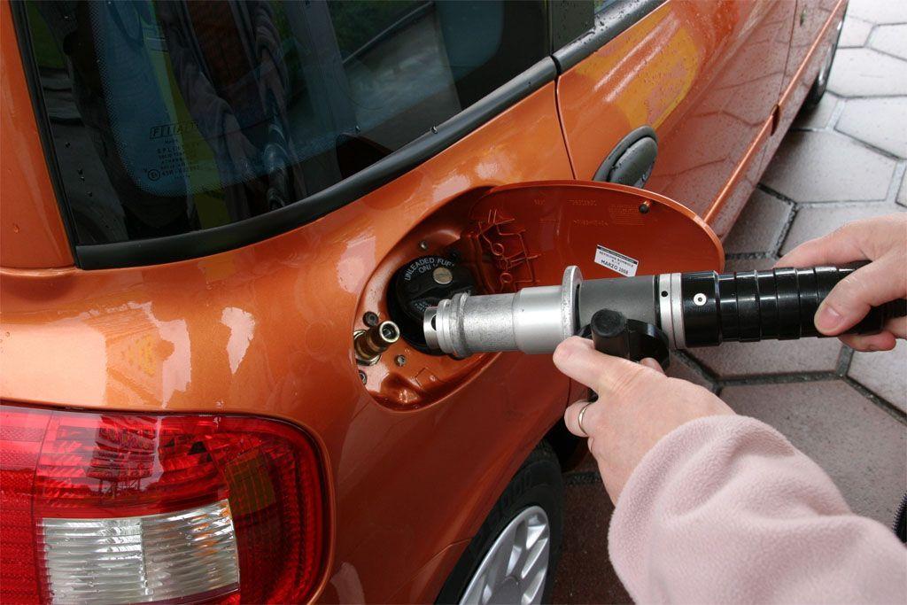 Area C Milano: vogliono far pagare anche le auto a gas
