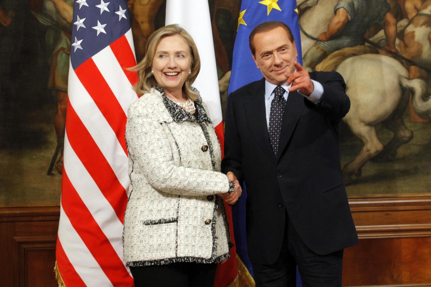Wikileaks, Hillary Clinton fece piangere Silvio Berlusconi: 'Parli male di me'