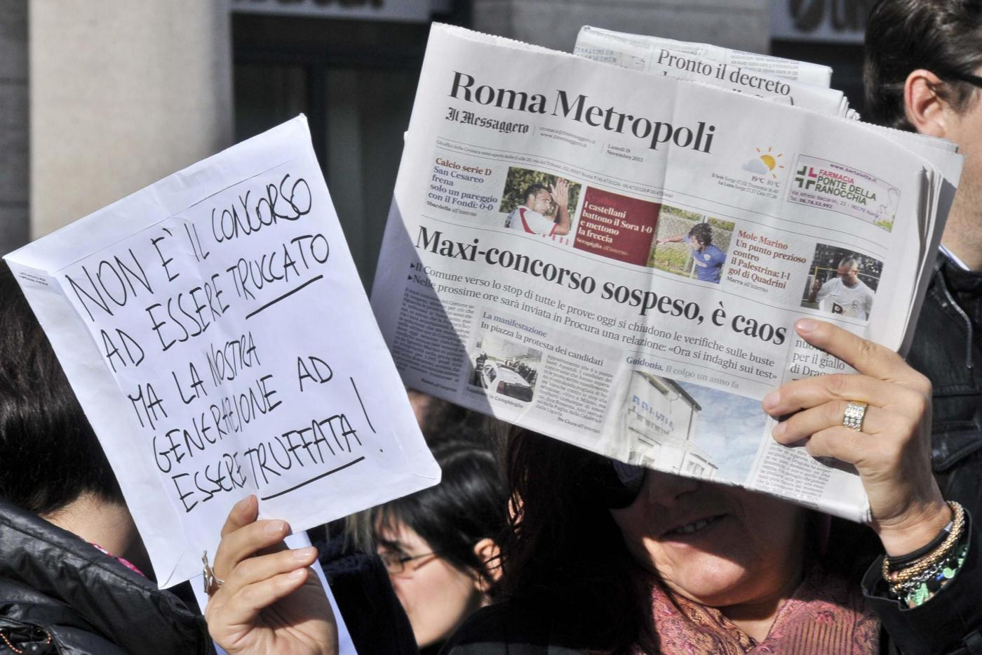 Protesta delle buste, per presunte irregolarità al maxi concorso indetto nel 2010