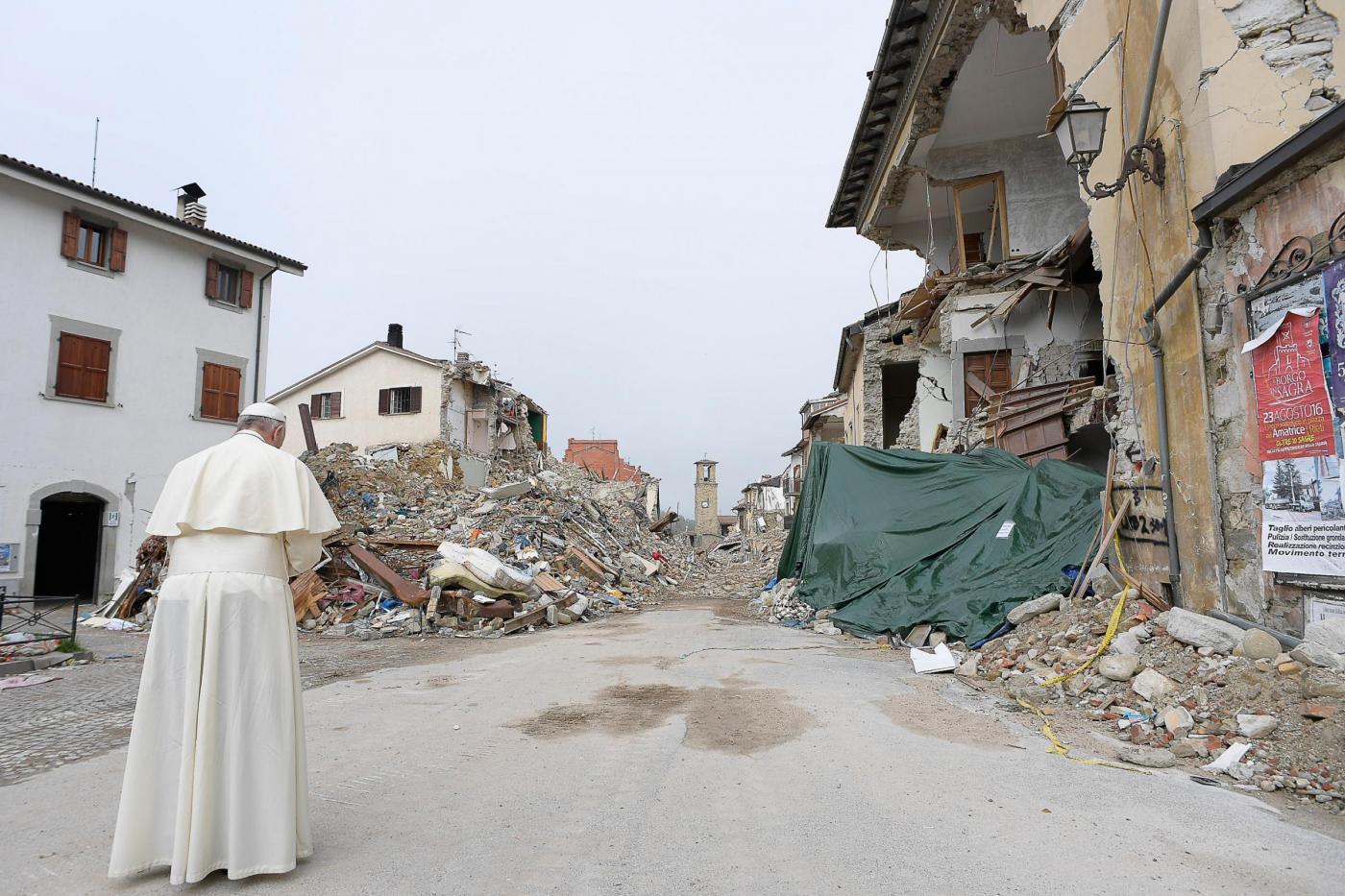 Terremoto Centro Italia, Papa Francesco in visita ad Amatrice