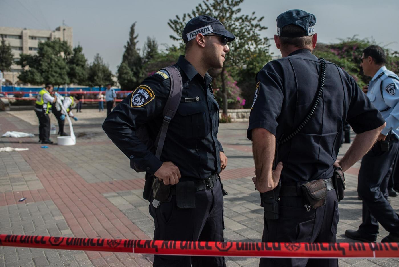 Attentato a Gerusalemme: palestinese uccide due passanti