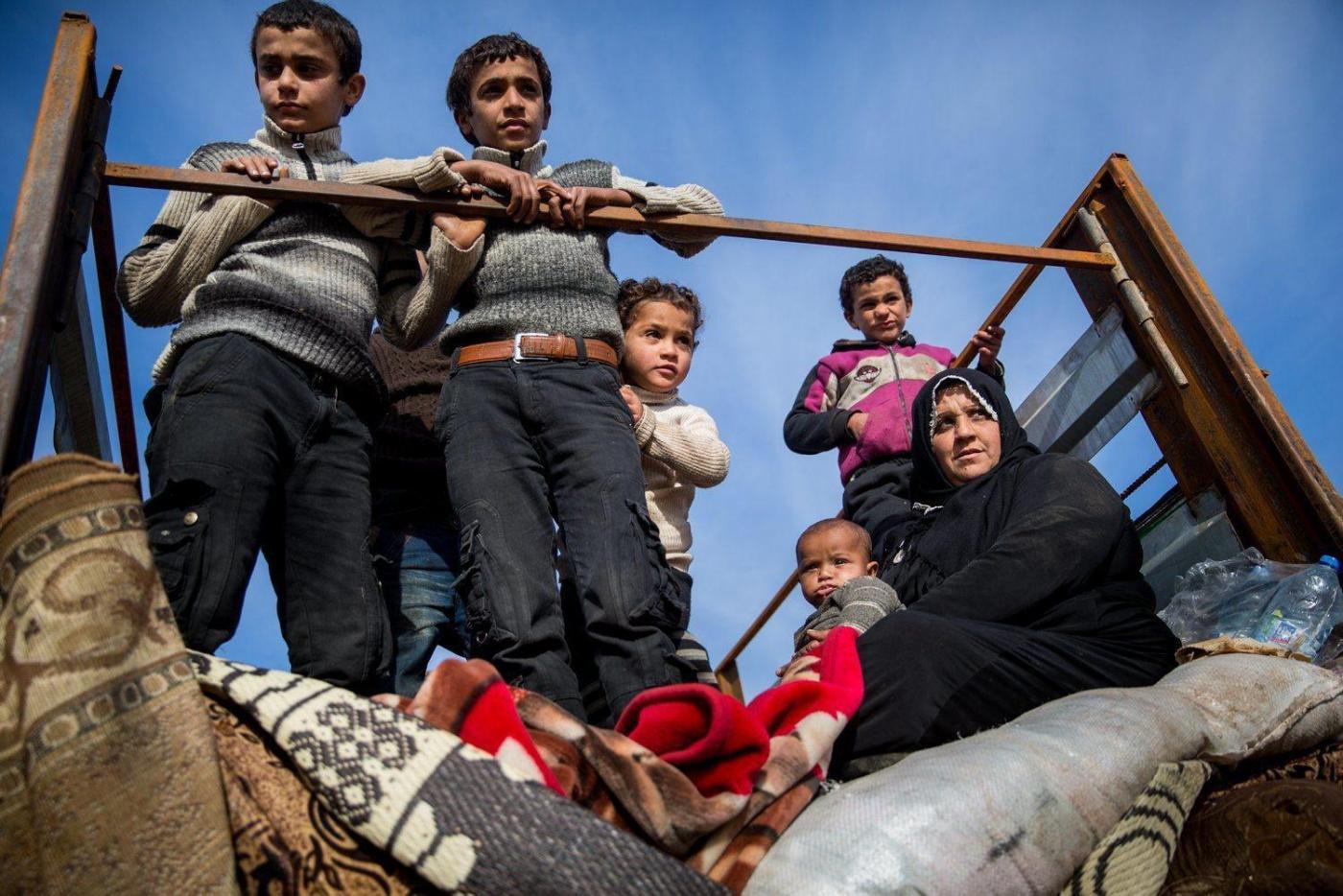 Da profughi a schiavi: ragazzini siriani sfruttati dalle fabbriche in Turchia