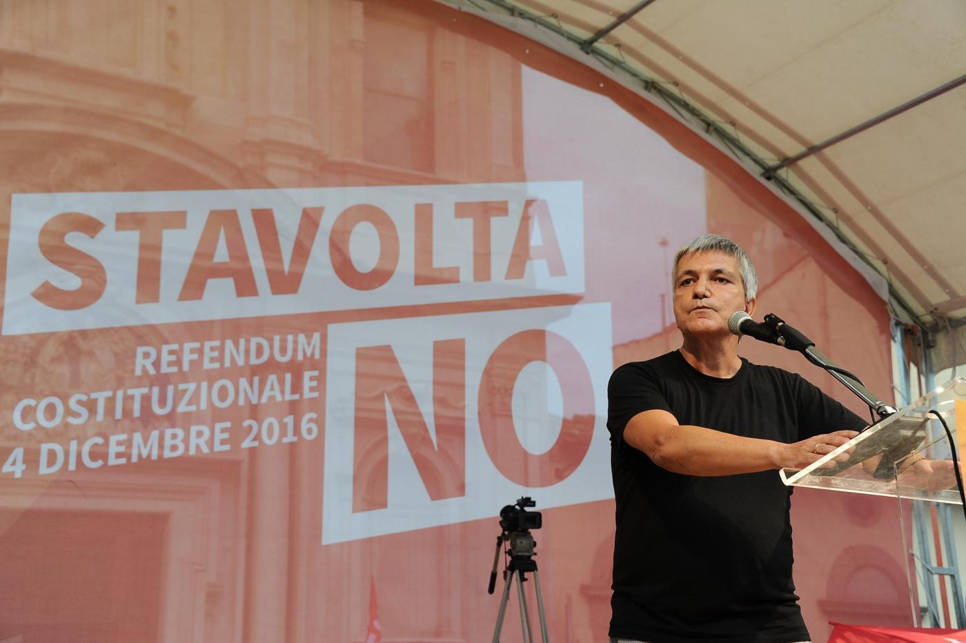 Referendum: Nichi Vendola invita al No ma sul web è virale il refuso 'refendum'