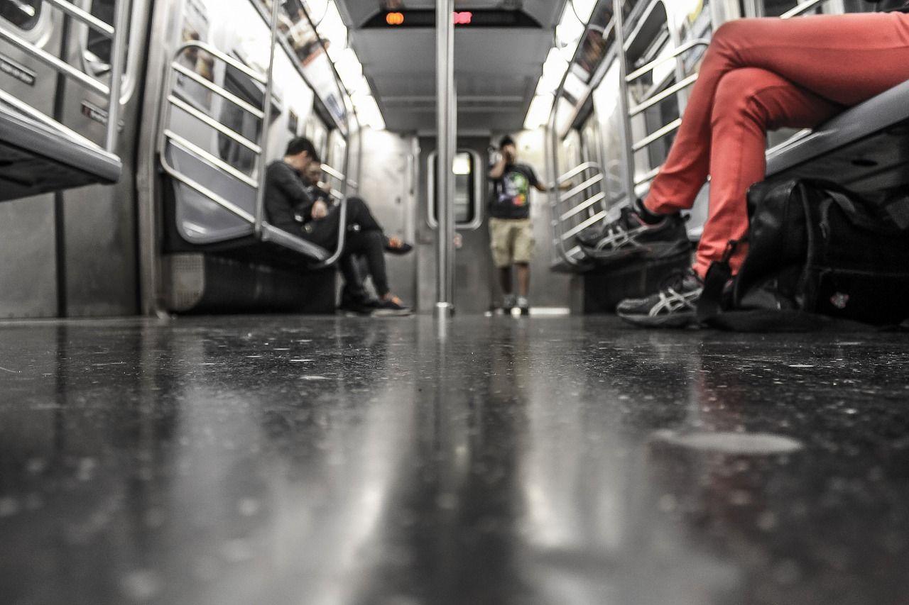 Sciopero venerdì 21 ottobre 2016, trasporti e mezzi pubblici fermi. Gli orari Atm Milano, Atac Roma, Tper Bologna, Anm Napoli, Gtt Torino