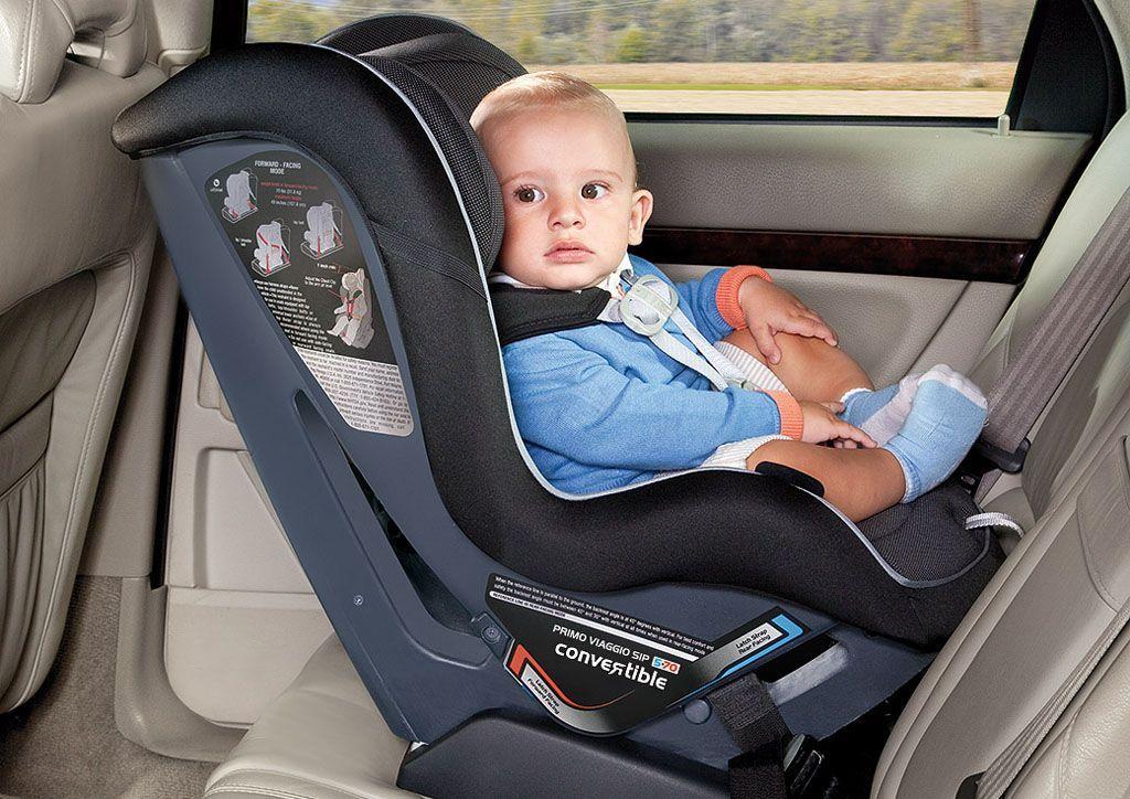 Seggiolini auto: i genitori non allacciano i propri figli