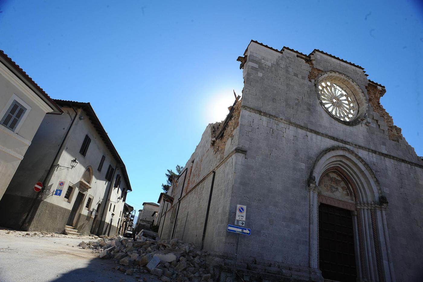 Terremoto Centro Italia: nuova forte scossa di magnitudo 6,5 con epicentro tra Perugia e Macerata