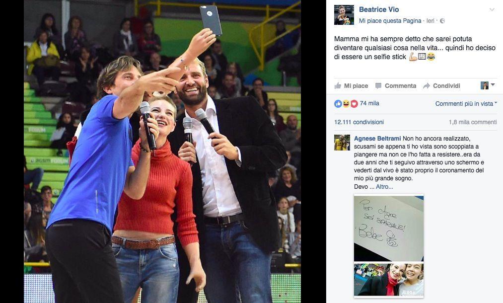 Bebe Vio diventa un selfie stick: la foto virale sui social