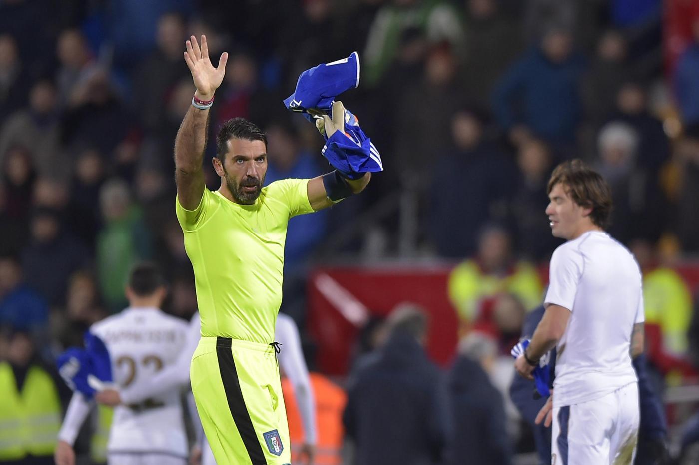 Italia fuori dai Mondiali 2018: le lacrime di Buffon (video)