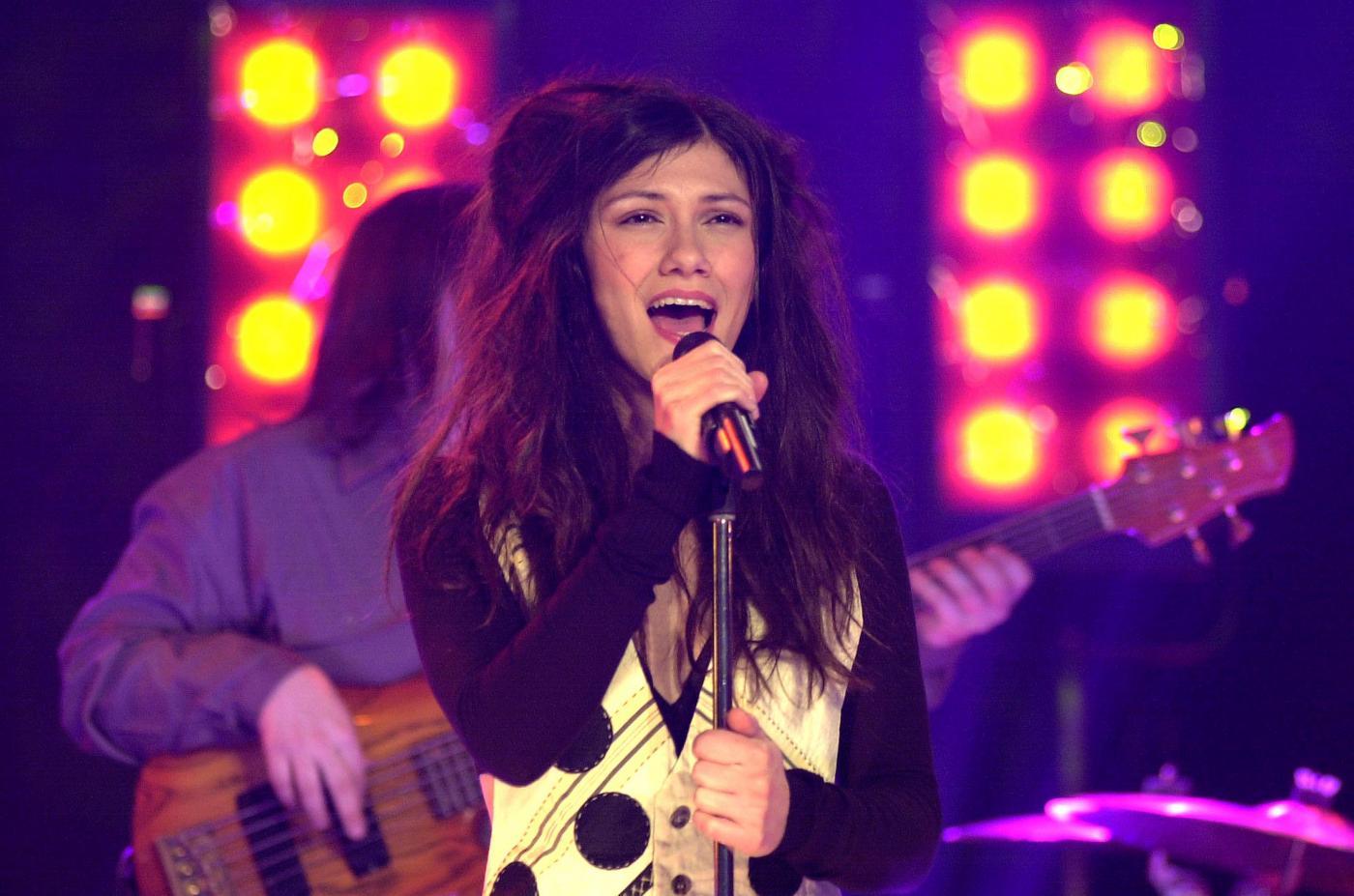 Elisa lascia Amici: 'Il mio futuro è la musica'