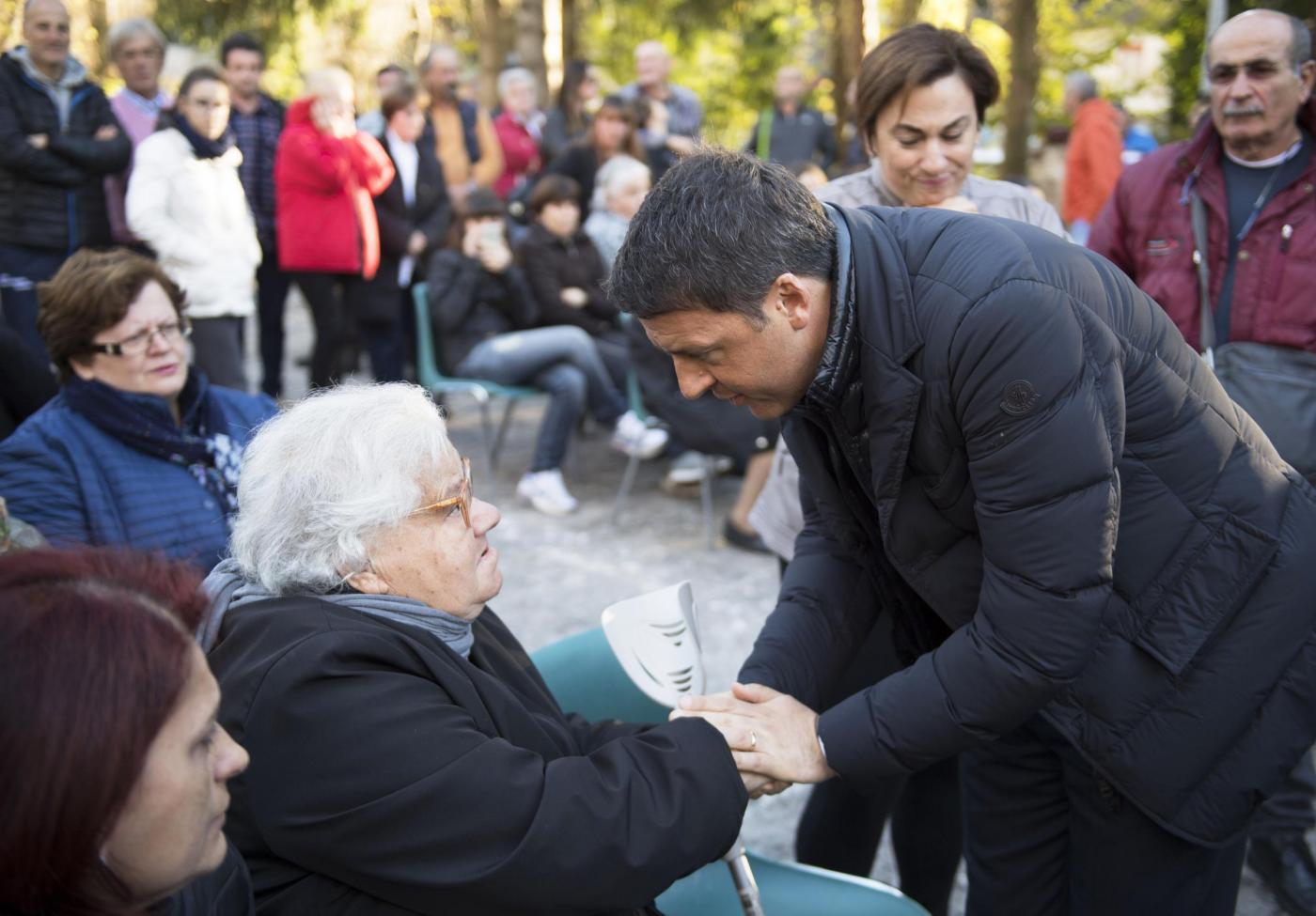 Matteo Renzi con la moglie Agnese in visita a Preci