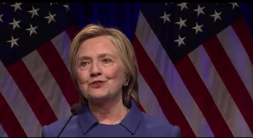 Hillary Clinton, primo discorso dopo la vittoria di Trump: 'Non volevo più uscire di casa'