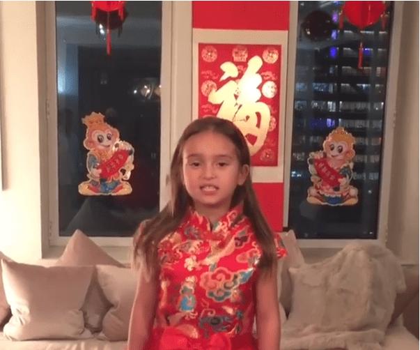 La nipote di Donald Trump parla mandarino e conquista il cuore della Cina