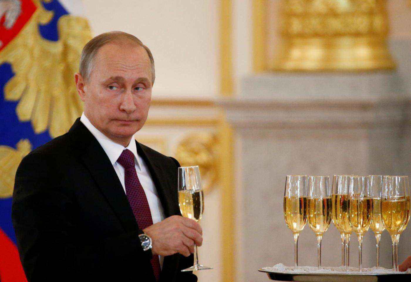 Mosca, il presidente Putin riceve gli ambasciatori stranieri al Cremlino