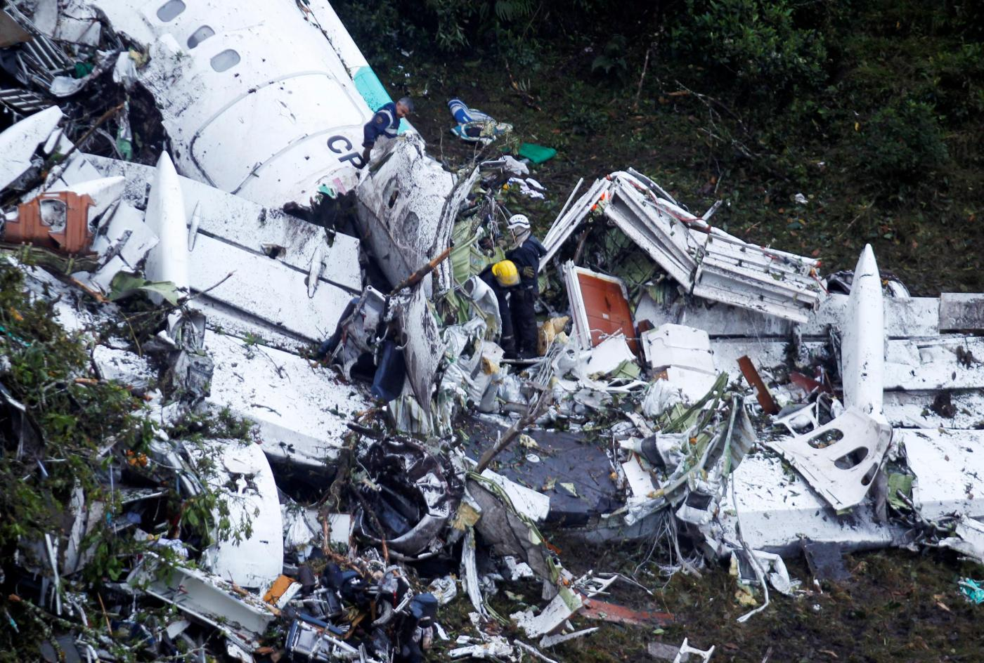 Sciagura aerea in Colombia, le ricerche dei superstiti a Medellin