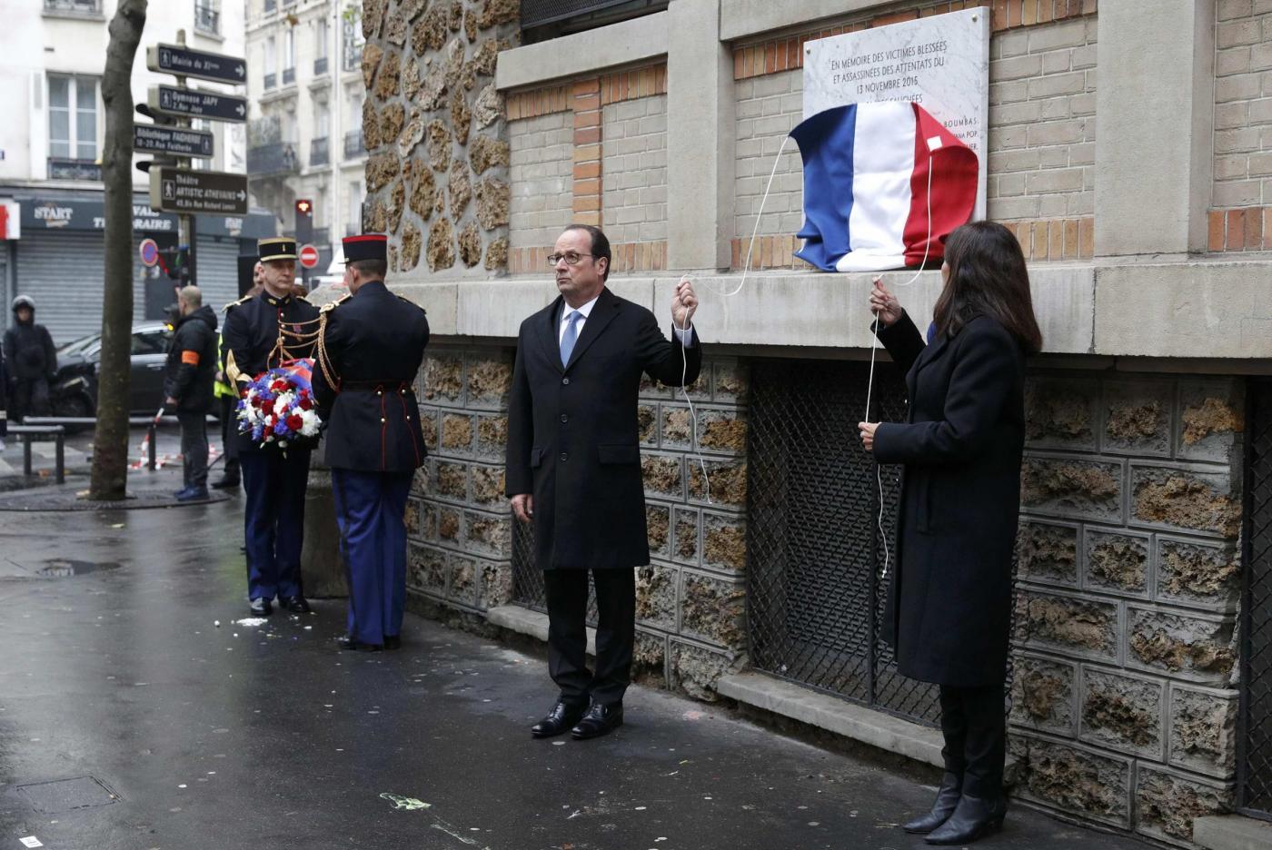 Parigi un anno dopo: la Francia si ferma per ricordare le stragi terroristiche