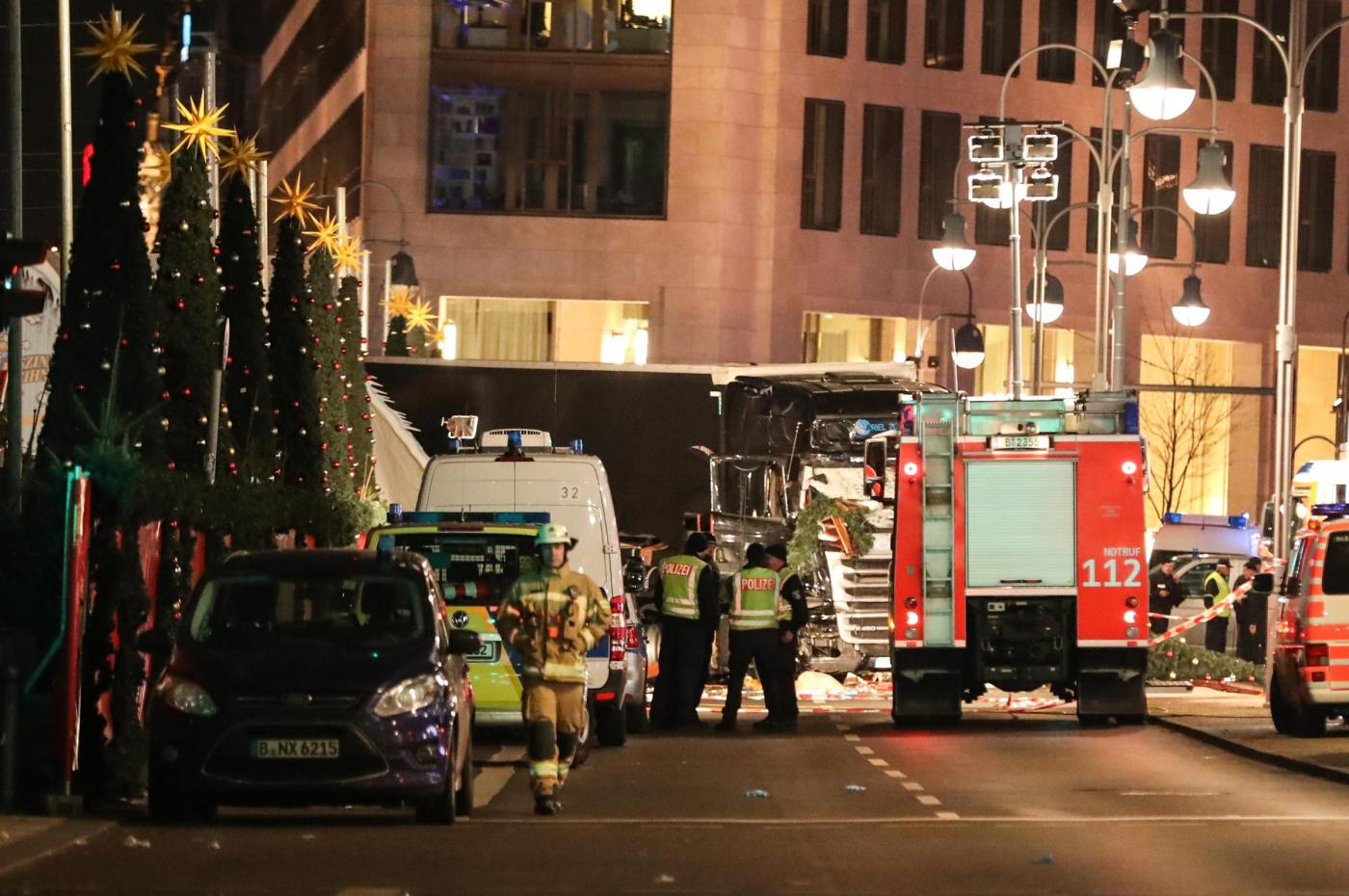 Attentato a Berlino: chi è l'eroe che ha fermato l'attentatore