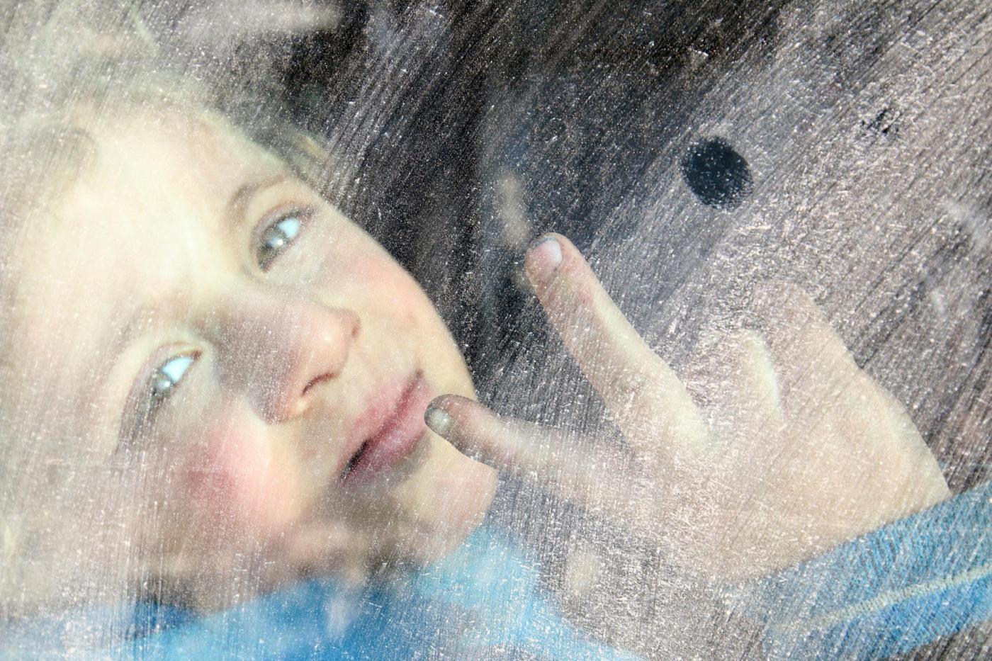 Siria: quei bambini di Aleppo intrappolati che rischiano di morire nell'indifferenza