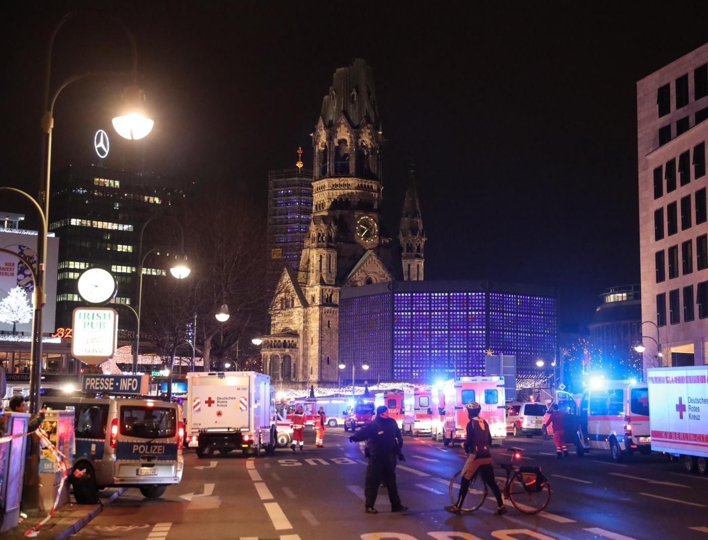 Berlino: chi è il ragazzo pakistano fermato per l'attentato al mercatino di Natale