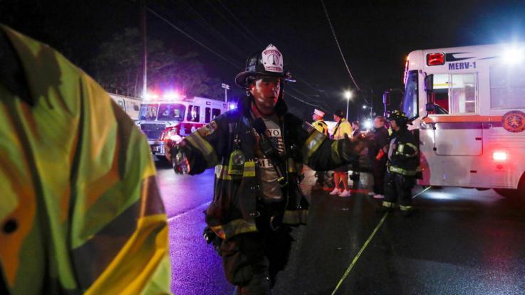 Oakland, incendio durante rave party: si temono 40 morti