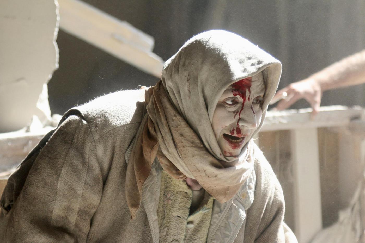 Siria: da Aleppo evacuazione di feriti e civili, ma la tregua annunciata non c'è