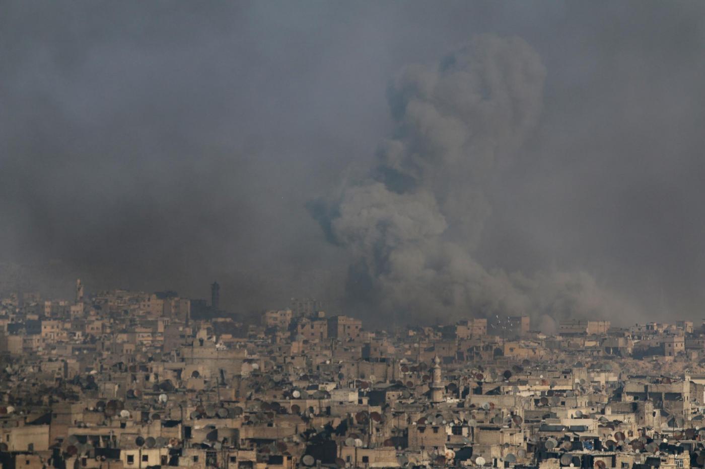 Siria, ripresi i bombardamenti ad Aleppo