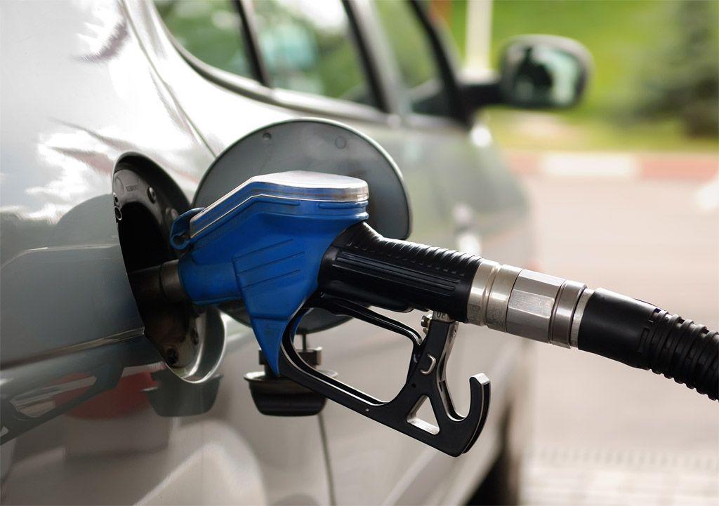 Come consumare meno carburante: la sete costa