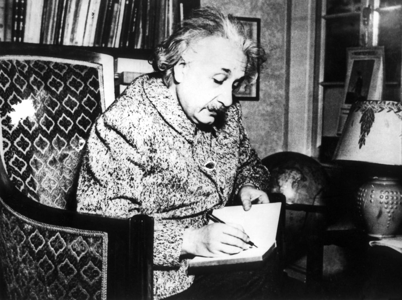 Frasi celebri di Albert Einstein sull'amore e su Dio
