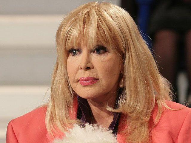 Isabella Biagini, incendio nella casa dell'attrice: panico e feriti