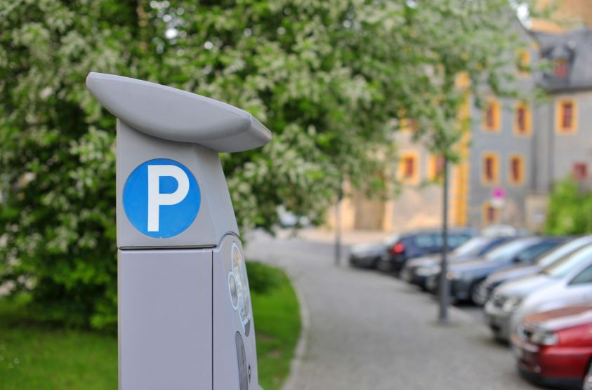 Parcheggi strisce blu Milano: guerra all'auto, aumenti a raffica