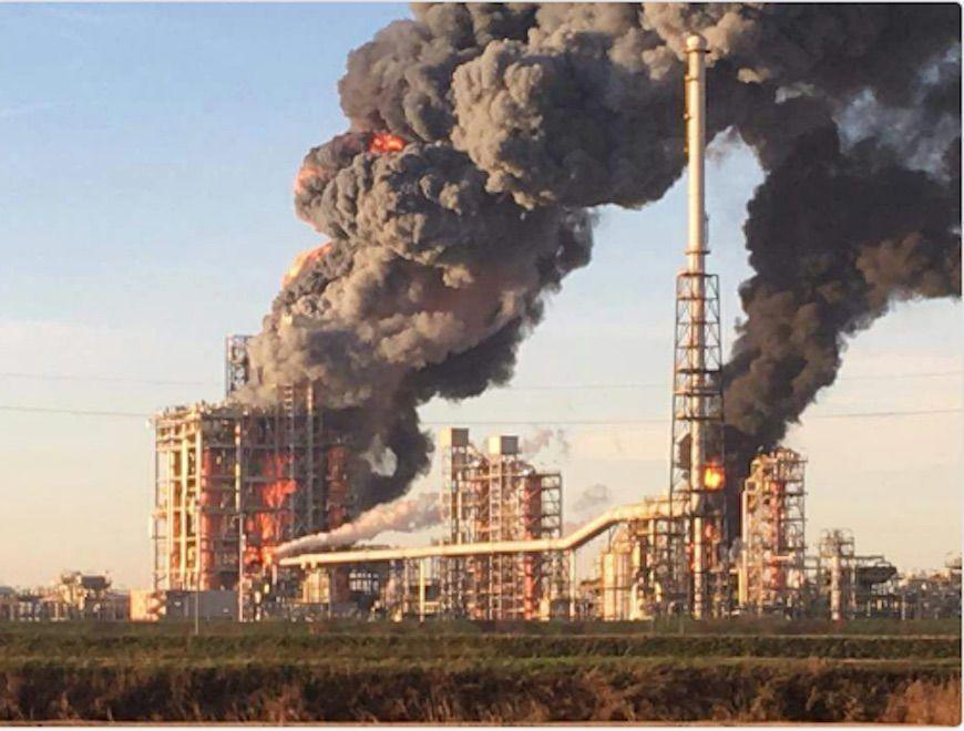 Esplosione alla raffineria Eni di Pavia: cessato l'allarme