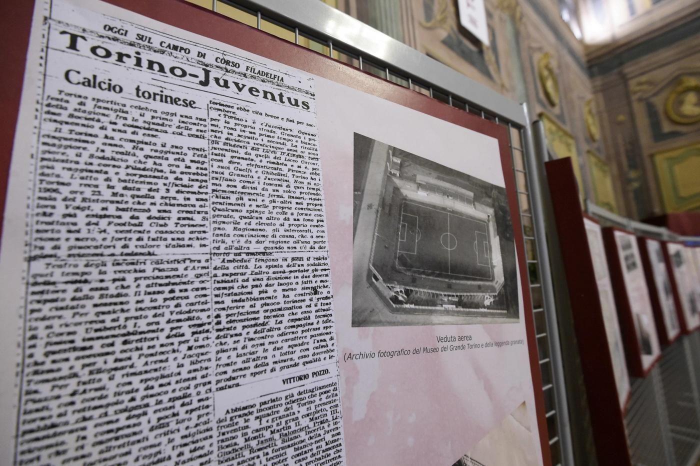 La mostra sul Filadelfia dal titolo 'Il Toro torna a casa' alla Biblioteca Civica di Villa Amoretti
