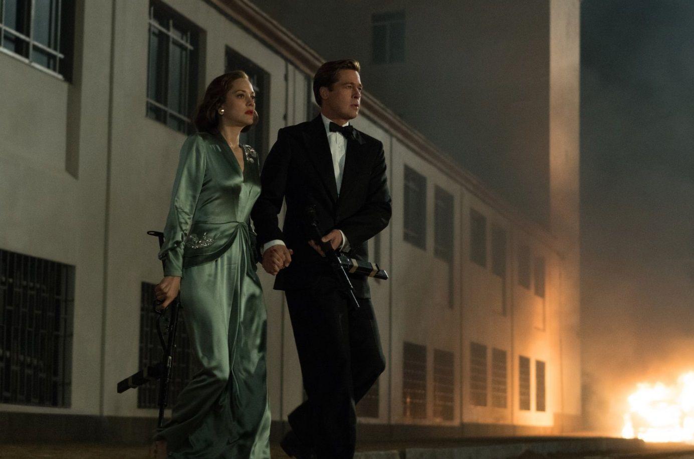 Allied – Un'ombra nascosta, Brad Pitt e Marion Cotillard in una classica spy-story