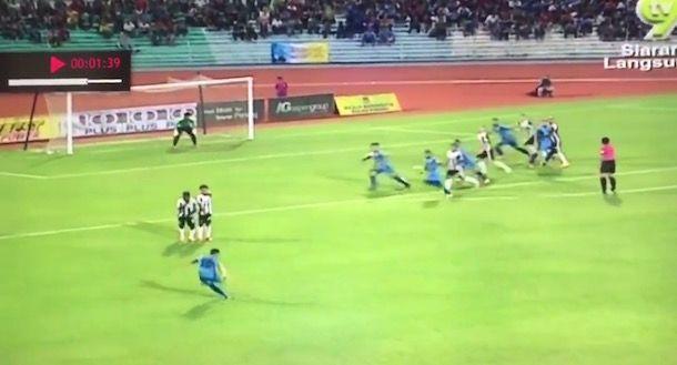 Il gol più bello del 2016: l'incredibile punizione del malese Mohd Faiz Subri