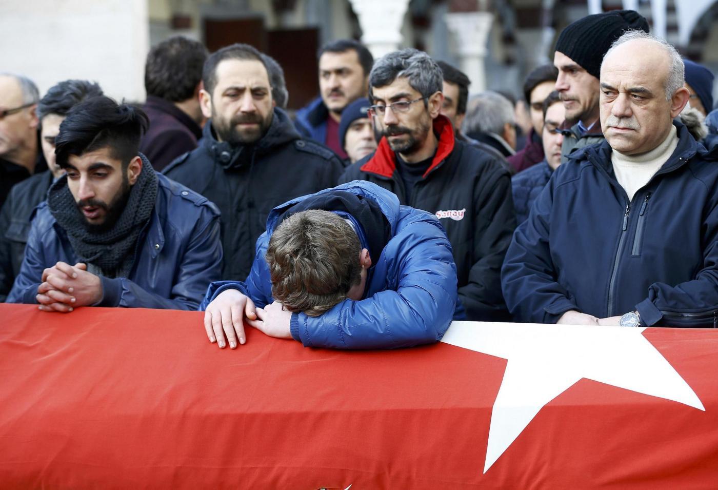 Capodanno di terrore a Istanbul 39 morti