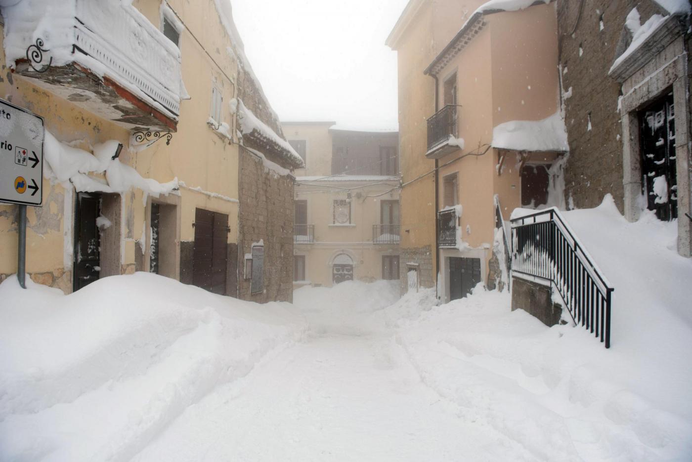 Maltempo in Abruzzo, emergenza per gelo e neve