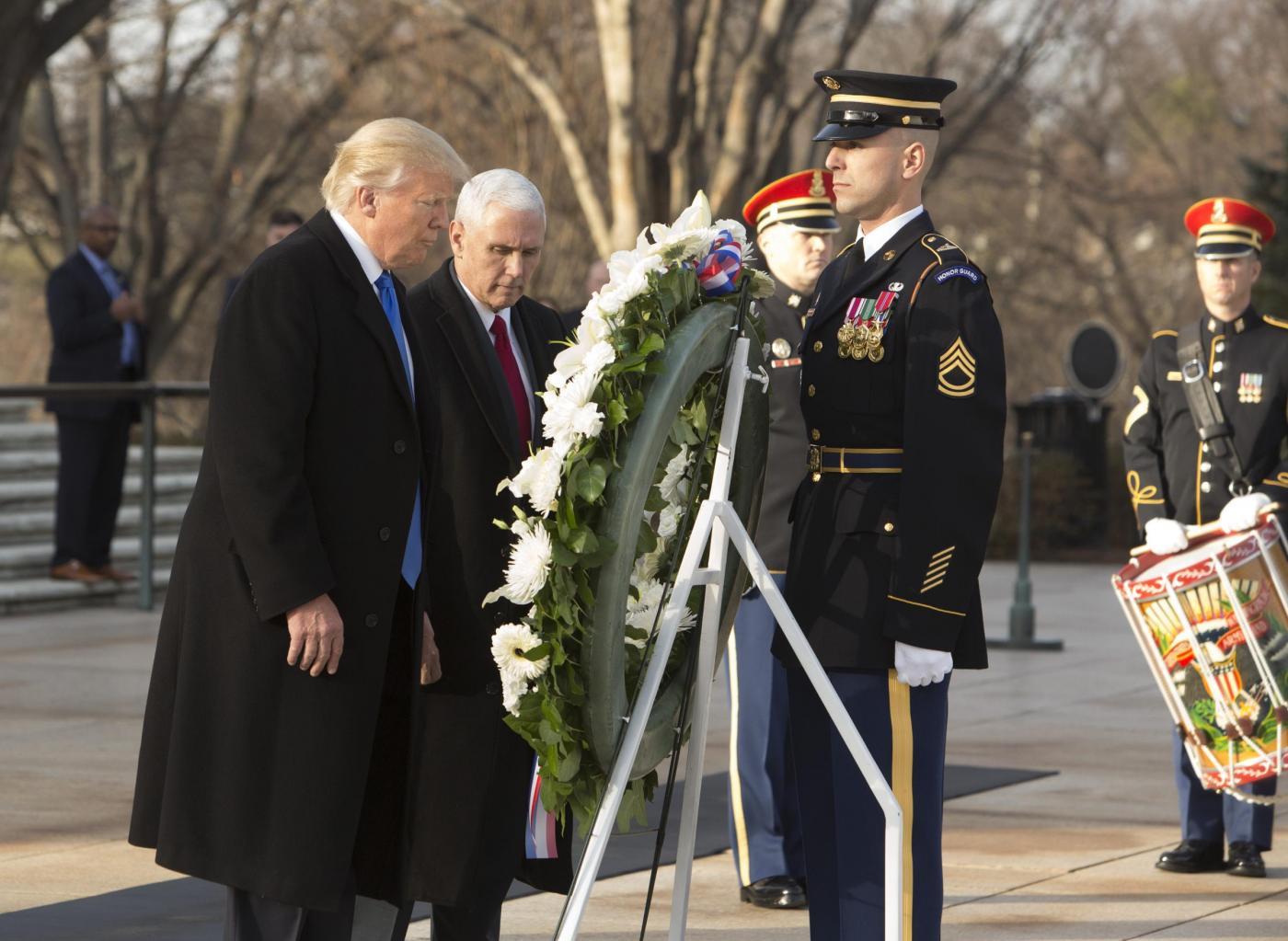 Trump arriva a Washington con la famiglia