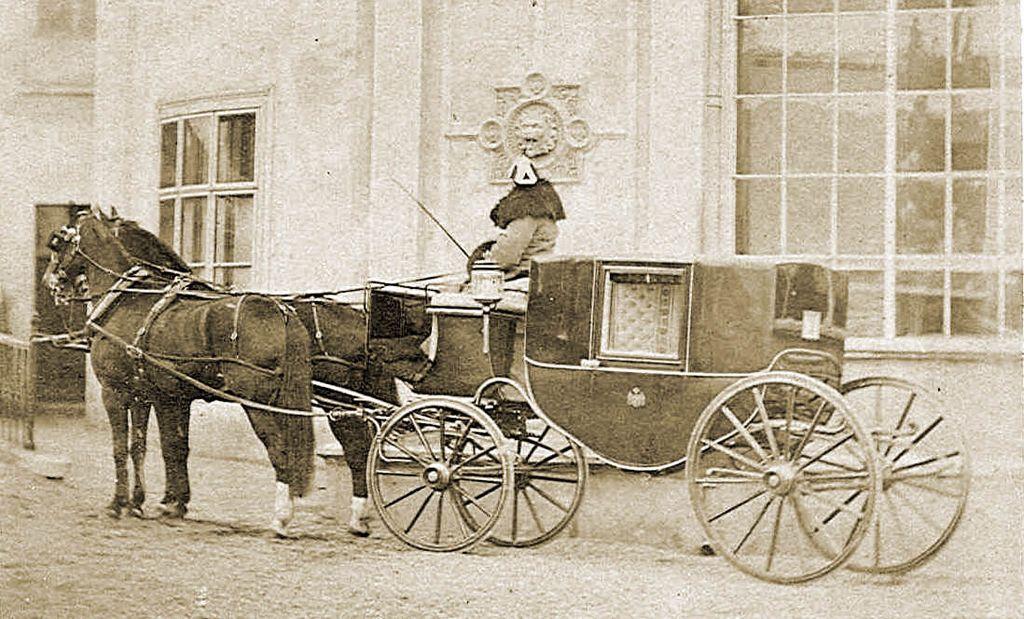 differenza tra utilitaria e berlina - berlina a cavalli
