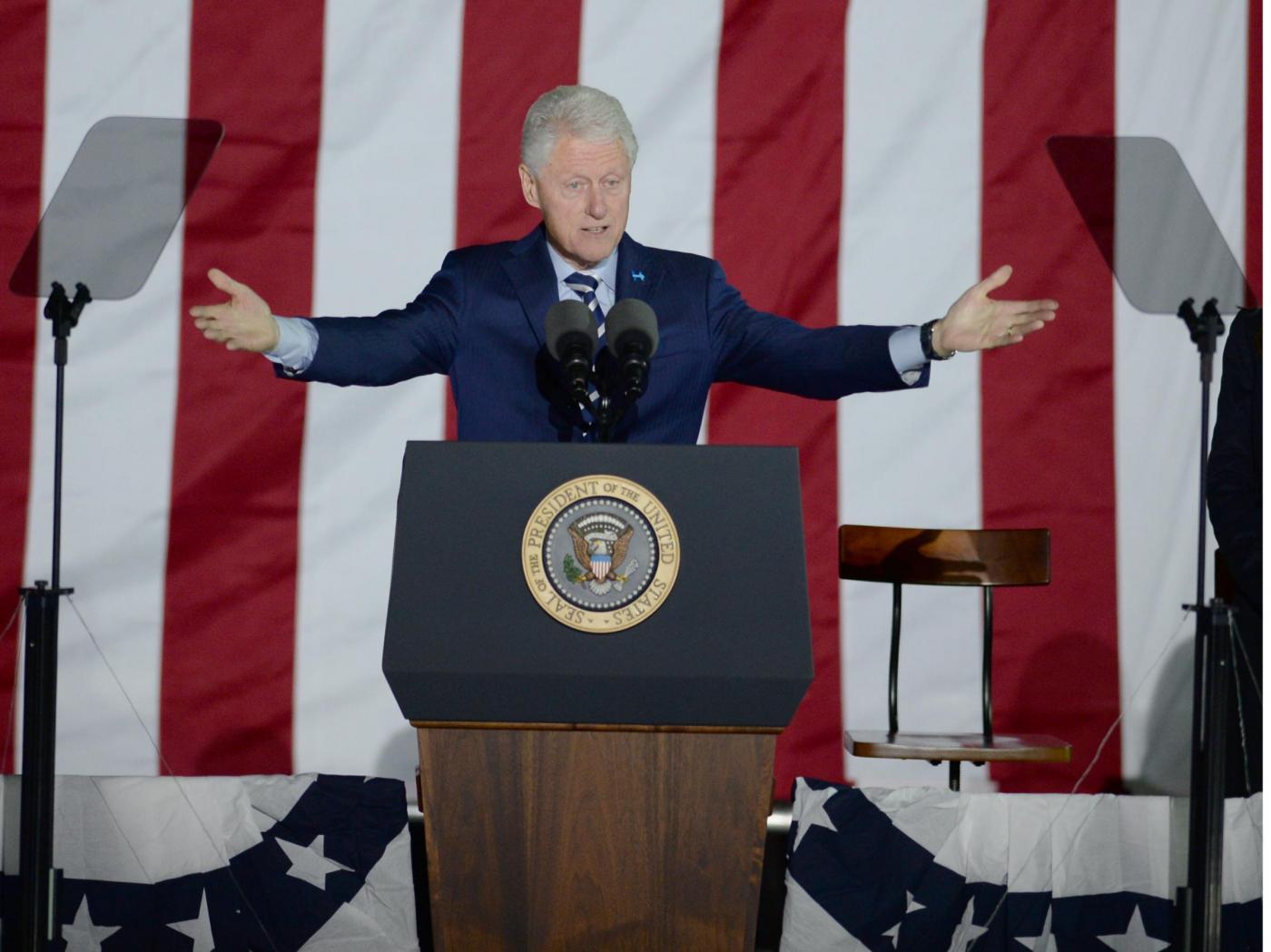 Elezioni Usa, Clinton chiude la campagna con l'intervento di Obama
