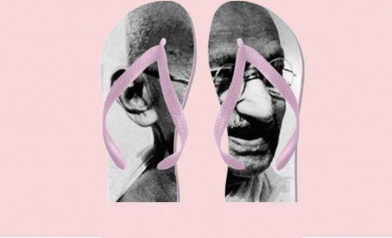 Ciabatte con la faccia di Gandhi ritirate da Amazon