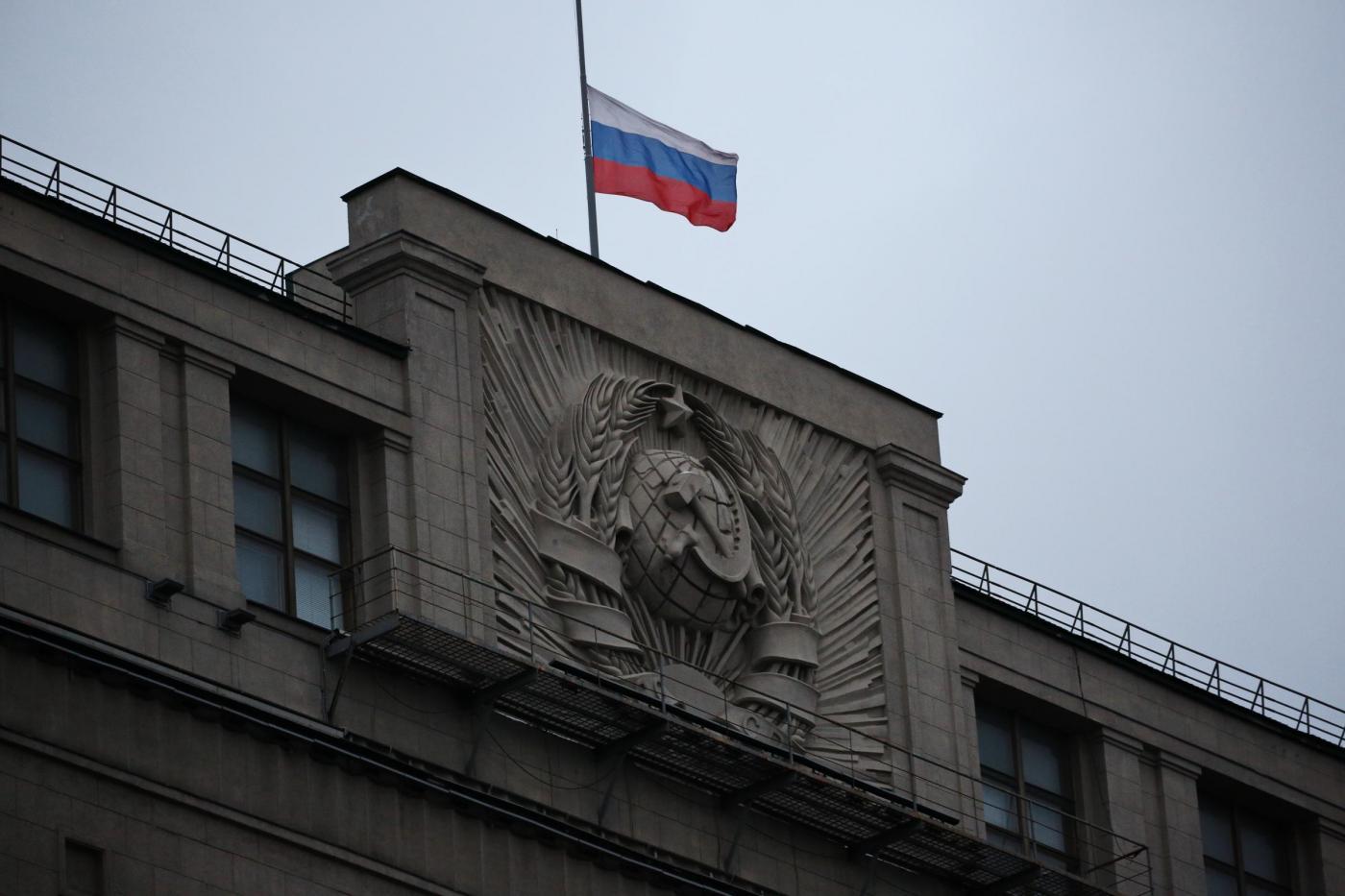 Russia: violenza domestica depenalizzata, picchiare la moglie sarà illecito amministrativo