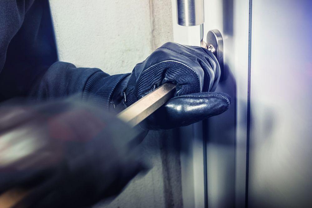 garage serrature non sicure porte deboli