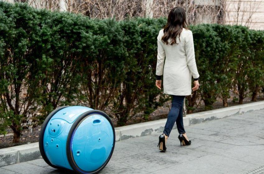 Piaggio Fast Forward presenta Gita, il trolley robotico