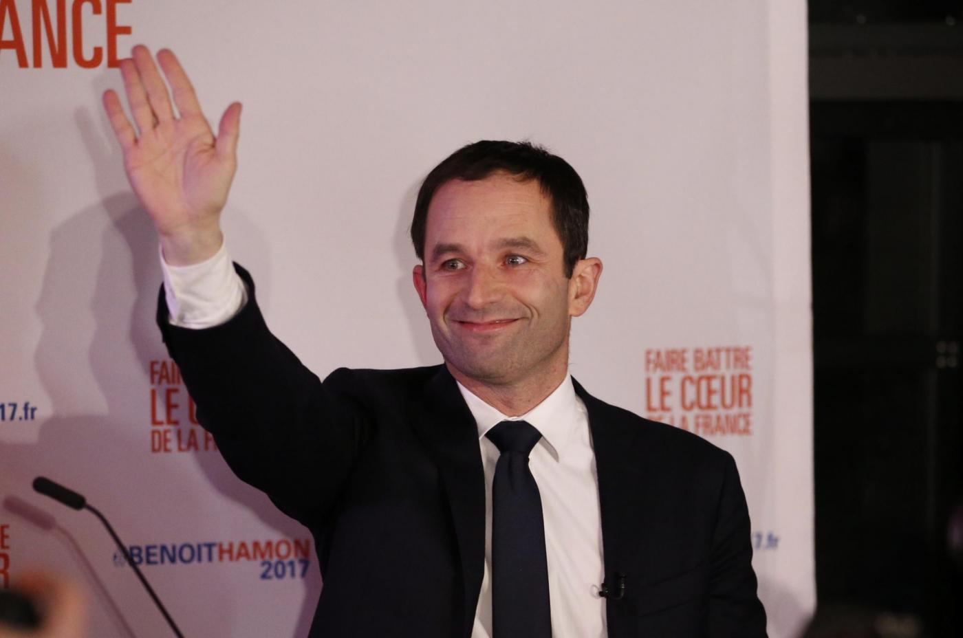 Benoit Hamon vince le primarie della sinistra