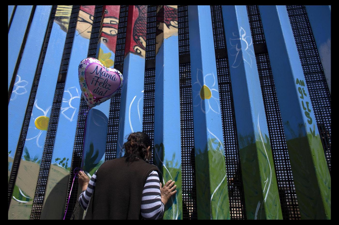 Mother's Day Reunion At Mexico Border Portfolio LaPresse