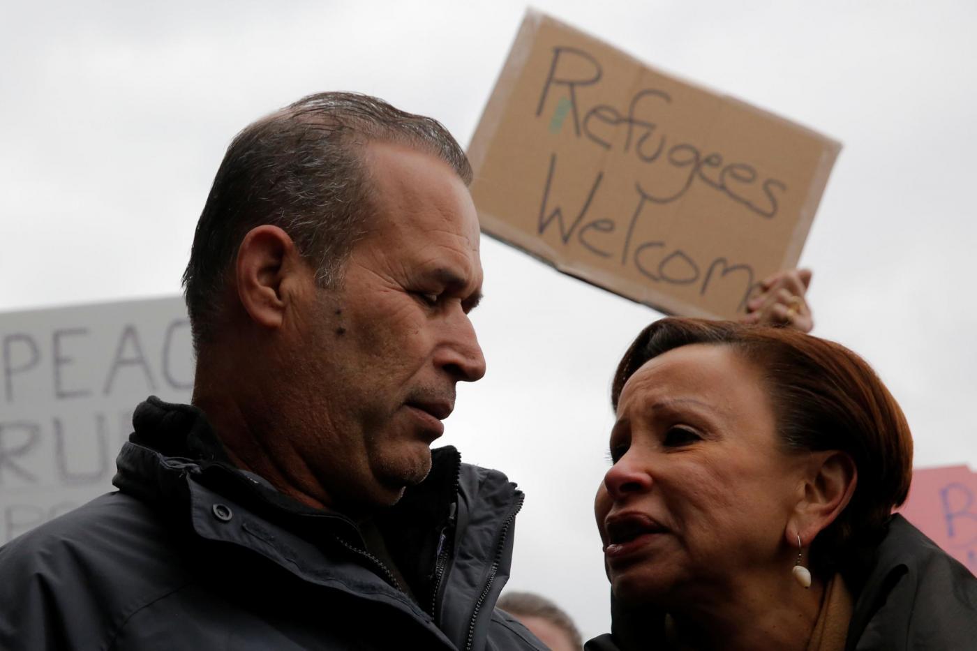 Usa, niente visti a 7 Paesi islamici: proteste all'aeroporto JFK