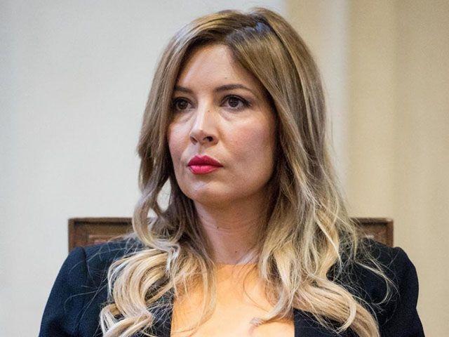Foto rubate ai Vip: Selvaggia Lucarelli rischia un anno di carcere
