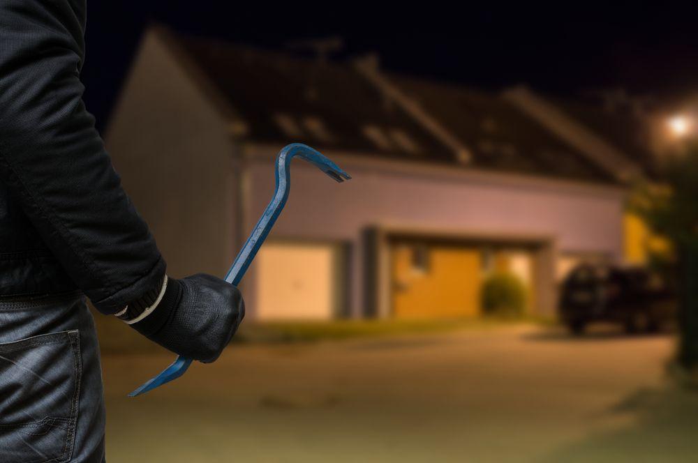tecnica per rubare nei garage