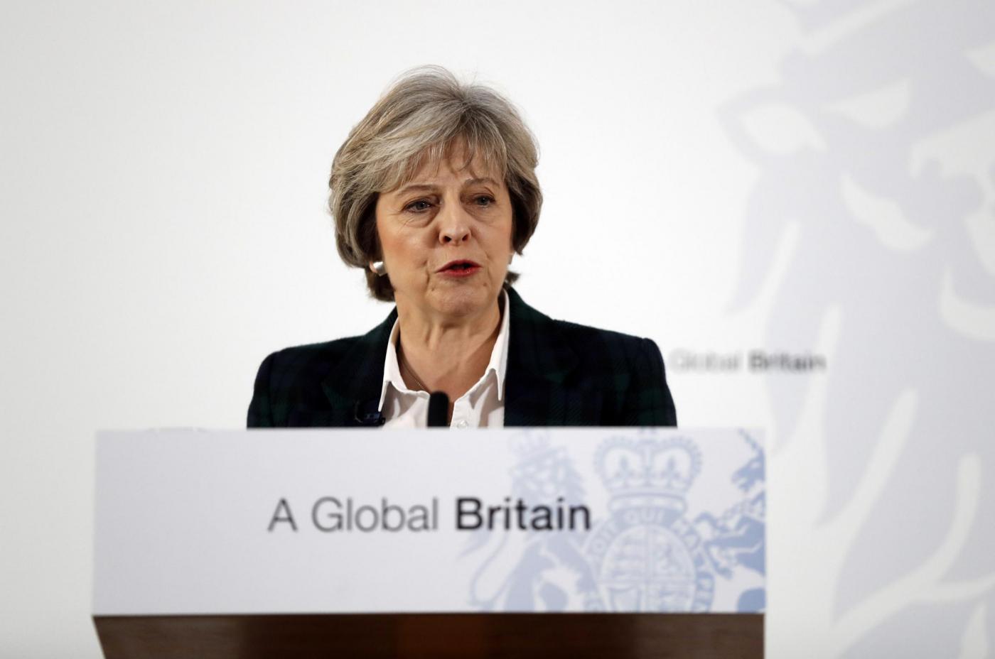 Theresa May, il discorso sulla Brexit: 'Lasciamo il mercato europeo'