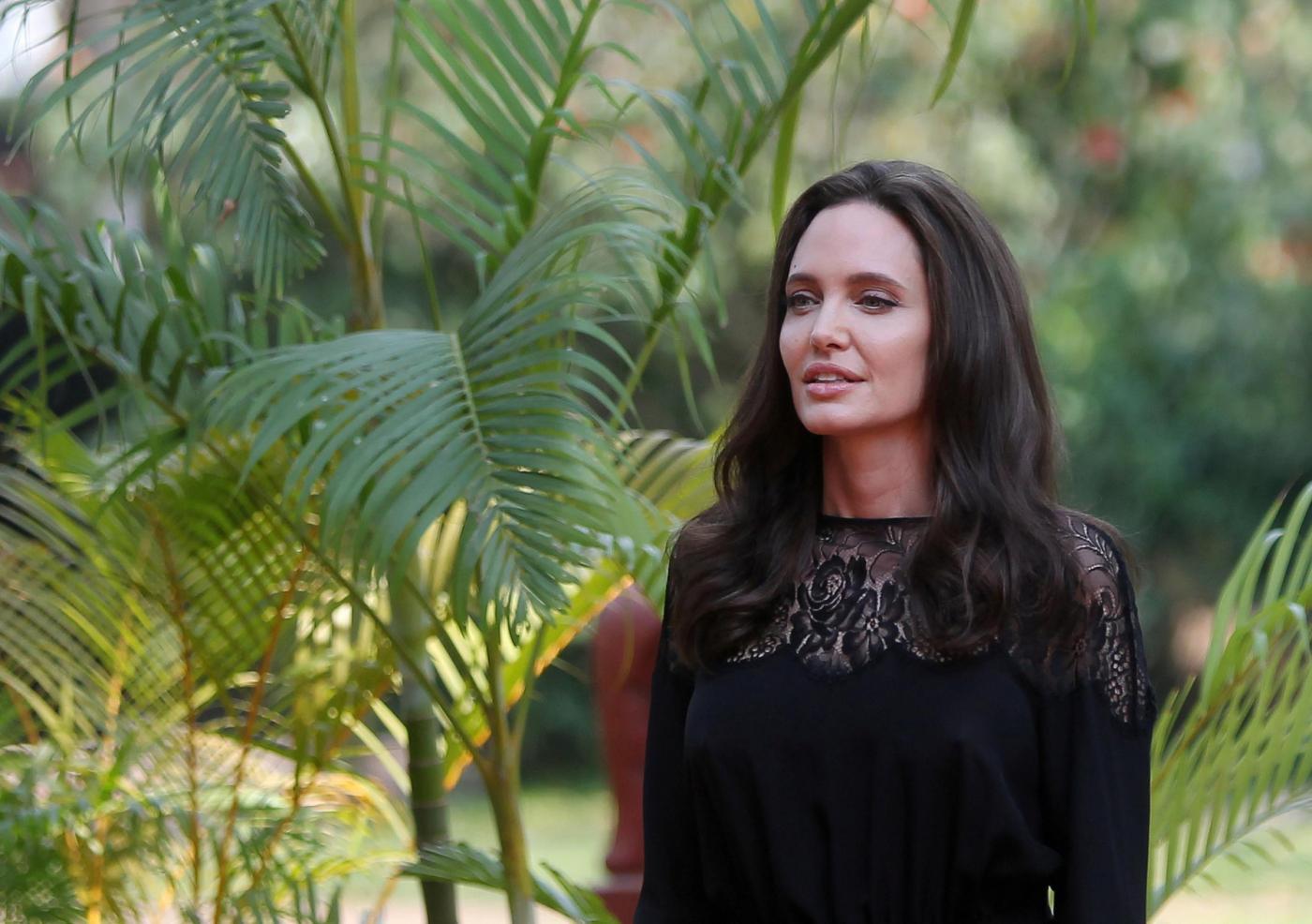 Angelina Jolie e il divorzio da Brad Pitt: 'Saremo sempre una famiglia'