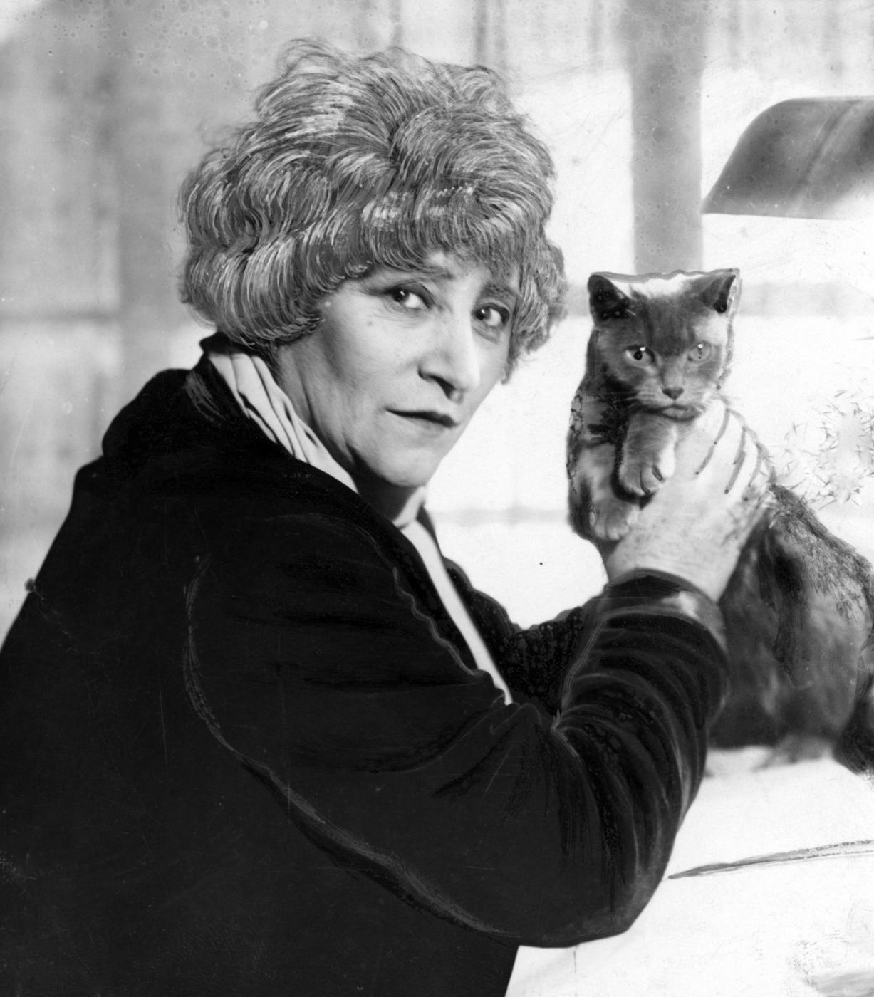 Gabrielle Colette con gatto